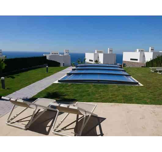 Telescopic pool enclosure Neo Smart - The lowest telescopic pool enclosure on the French market.