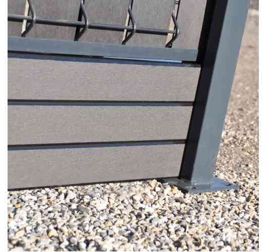 Composite substructure - Composite high-end, PVC-free, low dosage in wood. Easy to install. Constitutes an excellent alternative to concrete basements. Much lighter, they allow a facilitated implementation and a time saving in terms of laying. Contemporary finish and maintenance free. 2 colors to choose: anthracite gray and light gray. Available in lengths of 2,53 meters and 3,03 meters