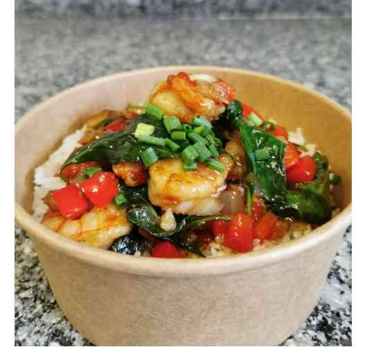 Shrimps basil - Thai jasmin rice, fried shrimps, onions, red peppers, Thai basil, chives and secret sauce