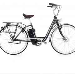 MODEL T - Recalling the sober and discreet design of Dutch bikes, our electric bike will delight you with its comfort and practicality. Unisex, the MODEL T adapts to all, whatever your morphology thanks to its spanning. Its 28-inch wheels will make all your outings very pleasant. So that you can enjoy the MODEL T with ease, the height and inclination of the stem are adjustable, as well as the height of the saddle. The latter, known for its comfort, will guarantee hours of driving with optimal well-being.