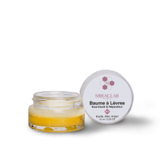 Organic Lip Balm - Miraclar organic lip balm is a concentrate of the best ingredients for nourishing and repairing the lips against the various daily aggressions: pollution, cold, wind ...  Thanks to ORGANIC shea butter, your lips are deeply nourished and repaired. The argan and soy oils soften and finally, the organic honey brings a greedy touch and flexibility to your smile.