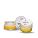 Duet of organic lip balm - Miraclar organic lip balm is a concentrate of the best ingredients for nourishing and repairing the lips against the various daily aggressions: pollution, cold, wind ...  Thanks to ORGANIC shea butter, your lips are deeply nourished and repaired. The argan and soy oils soften and finally, the organic honey brings a greedy touch and flexibility to your smile.