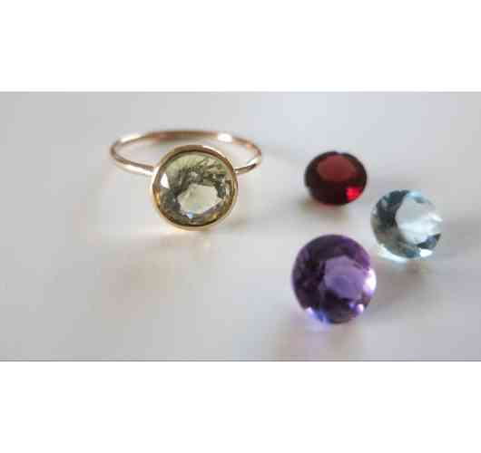 Ring SPOT - Solitairy Ring with precious stone of 8 mm