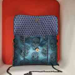 Anny's purse skull blue - Small fashion shoulder bag can be worn at any time of the day. The interior pocket is ideal for storing your smartphone.