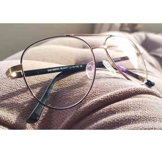 MY BLUE PROTECT® anti-blue light glasses, model OLD SCHOOL Bronze. - Goggles anti-blue light for screens (TVs, computers, smartphones, tablets ...) The blue light is omnipresent in our environment: naturally in the rays of the sun, it is found in the lighting of Leds of our cities and our homes, but especially in all digital screens. Our surface treatment filters blue light up to 40% and 100% UVA and UVB. Available in 6 colors.
